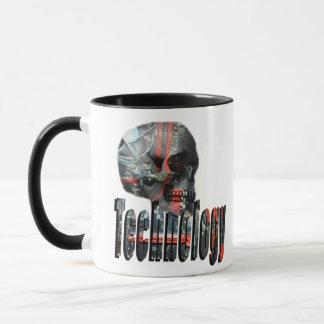 Mug La technologie s'est occupée du logo de crâne,