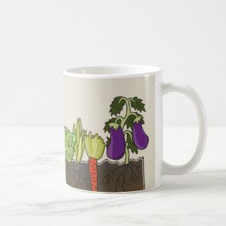 Mug La terre de sol de potager pose le décor de