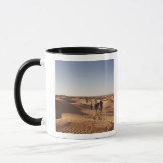 Mug La Tunisie, région de Ksour, Ksar Ghilane, erg