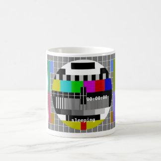 Mug La TV examinent la fermeture de carte