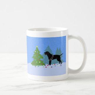 Mug Laboratoire noir dans la forêt décorant l'arbre de