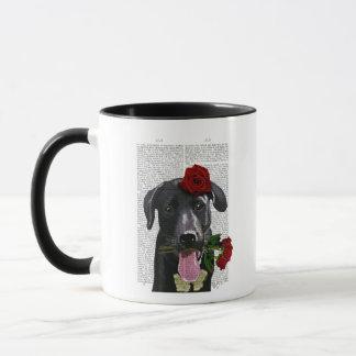 Mug Labrador noir avec des roses