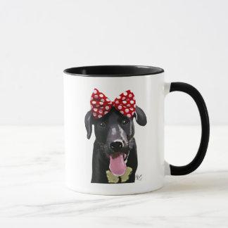 Mug Labrador noir avec l'arc rouge sur la tête
