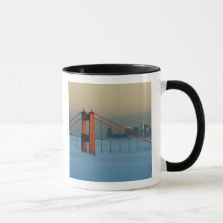 Mug Le brouillard roule par San Francisco Bay