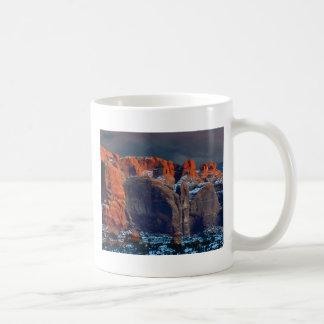 Mug le désert foncé bascule des formes