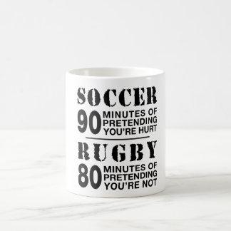 Mug Le football contre le rugby