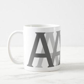 Mug Le gris de Gifting d'alphabet marque avec des