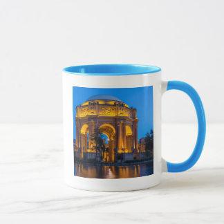Mug Le palais des beaux-arts à l'aube