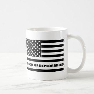 Mug Le panier du drapeau américain de Deplorables