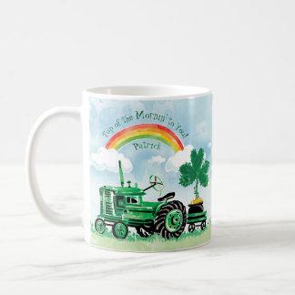 Mug Le shamrock vert vintage de tracteur ajoutent le