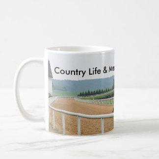 Mug Le tracteur Harrows la voie, vie à la campagne
