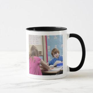 Mug Lecture de la fille (10-11) et du garçon (6-7)