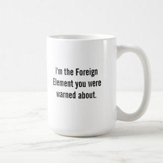 Mug L'élément étranger commence le processus de
