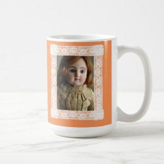 Mug Les amants de poupée font faire face plus