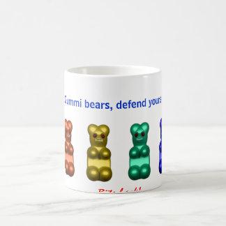 Mug les ours de gummi, se défendent