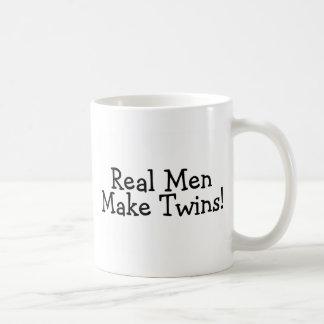 Mug Les vrais hommes font des jumeaux (le noir)
