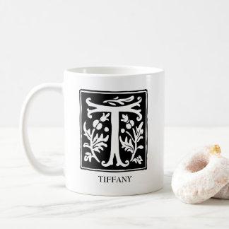 Mug Lettre ornementale T d'alphabet personnalisée