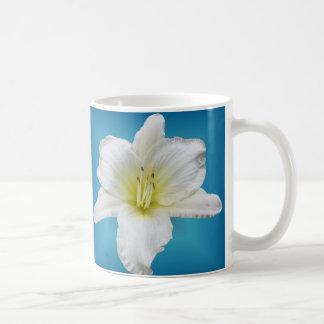 Mug Lis doux - Daylily sur le bleu