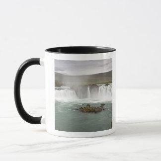Mug L'Islande. La vue de Godafoss tombe sur