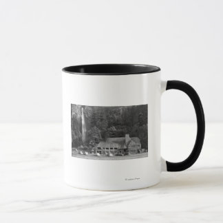 Mug Loge de Multnomah et photographie d'automnes