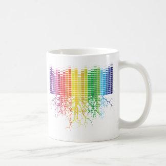 Mug L'onde sonore colorée avec des racines se fanent