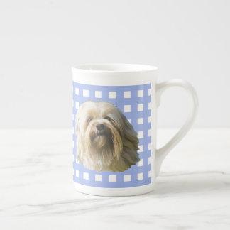 Mug Lowchen sur le guingan bleu