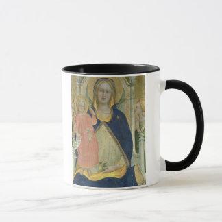 Mug Madonna et l'enfant couronnés avec des saints,