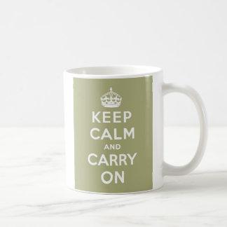 Mug Maintenez calme et continuez le vert sauge de
