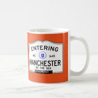 Mug Manchester entrant par la mer