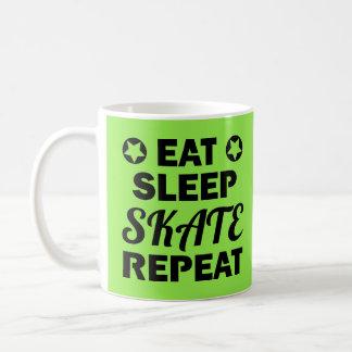 Mug Mangez la répétition de patin de sommeil, rouleau