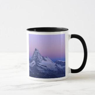 Mug Matterhorn à l'aube, Zermatt, Alpes suisses,