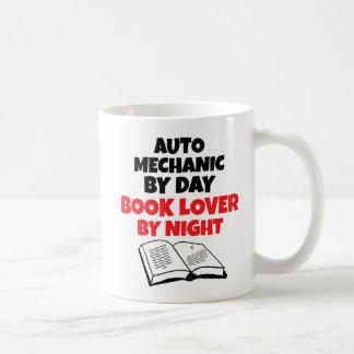 Mug Mécanicien automobile d'amoureux des livres