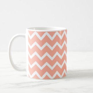 Mug Modèle de zigzag de corail et blanc