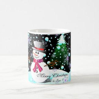 Mug Monogramme de Joyeux Noël de bonhomme de neige