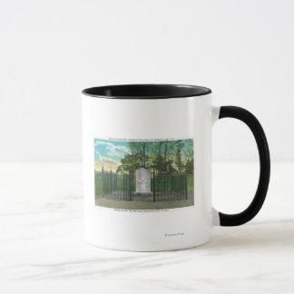 Mug Monument gauche de jambe de GEN Benoît Arnold