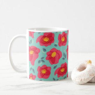 Mug Motif assez floral avec les pétales roses lumineux