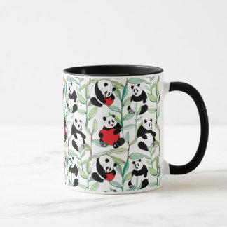Mug motif avec de beaux pandas avec des coeurs