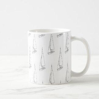 Mug Motif de bateau à voile. Noir et blanc.