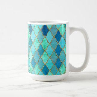 Mug Motif marocain oriental de tuile d'or en bon état
