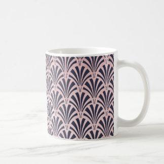 Mug Motif rose d'art déco d'or de Faux sur le bleu de