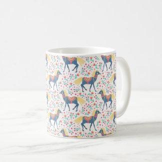Mug Motif sans couture de vecteur floral de chevaux de