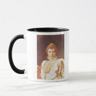 Mug Napoléon I dans des robes longues de couronnement,