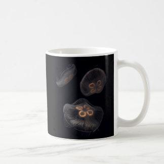 Mug Natation de méduses de lune