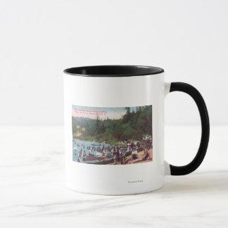 Mug Natation et canotage sur la rivière russe