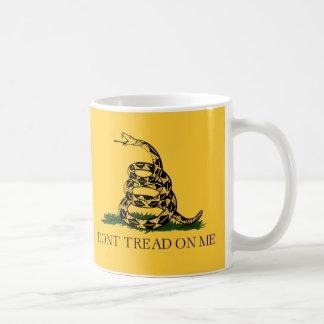 Mug Ne marchez pas sur moi, thé de drapeau de Gadsden