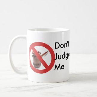 Mug Ne me jugez pas attaquer