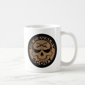 Mug Noir et or de crâne de scout de Cav