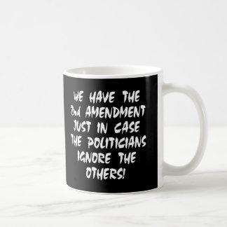 Mug Noir nous avons le 2ème amendement