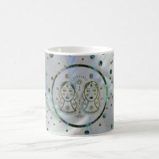 Mug Ormeau d'or de zodiaque de Gémeaux sur la