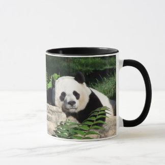 Mug Panda géant faisant une sieste